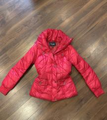 Roze jakna Guess