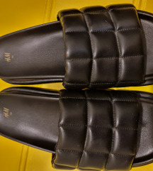 Nove papuce. H&M 40