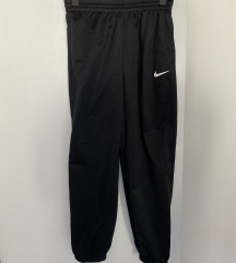 Akcija 800 Nike decija trenerka