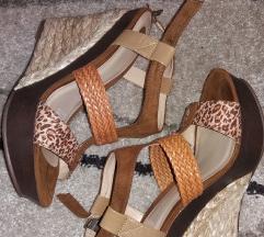 Nove Bull Boxer kožne sandale