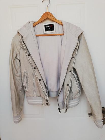 Siva kožna jakna