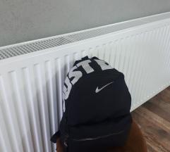 Ranac Nike