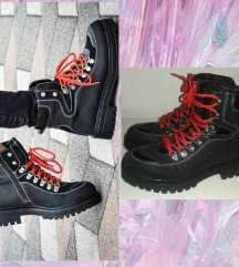 Zimske čizme - cipele sa šljokicama kao NOVE 39