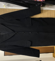 Crni duži kaput