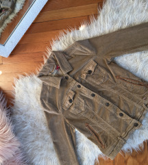 Plis jakna