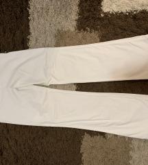 Bele pantalone zvonaste