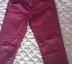 Ljubicaste pantalone