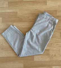 Karirane pantalone H&M NOVO ‼️