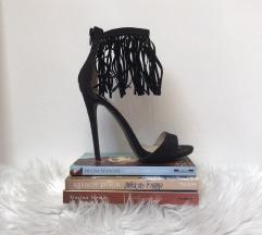 opposite shoes sandale