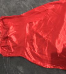 Mala crvena haljina
