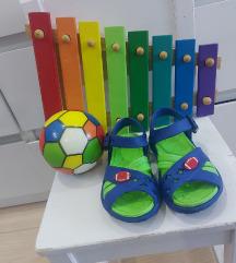 Nove gumene sandalice za decake