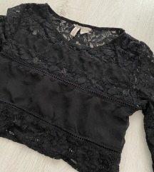 H&M crna cipkana crop top majica