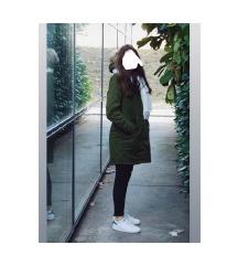Zimska jakna kao NOVA sa velikim krznom M/L
