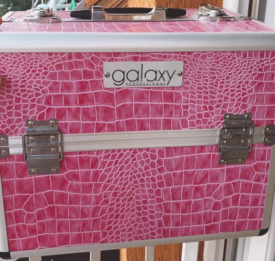 Kofer za sminku snizen na 4000