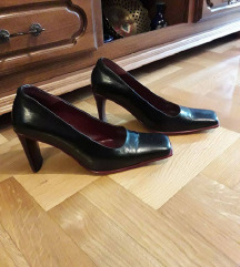 OLIP crne  kozne cipele salonke kao nove