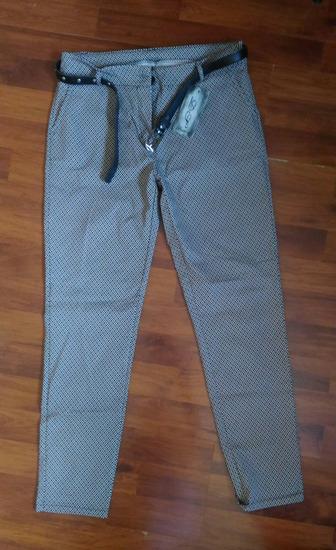 Pantalone s kaišem NOVO