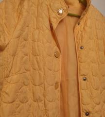 Žuta štepana jakna