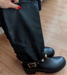 Crne čizme sa nitnama