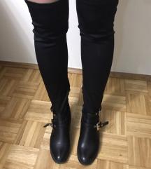 Crne čarapa-čizme preko kolena