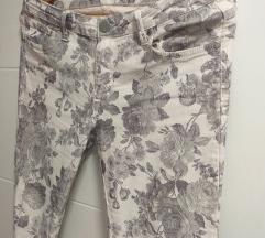 WE cvetne farmerke/pantalone