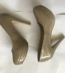 Lakovane krem cipele