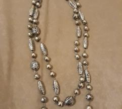 SNIZENO Ogrlica srebrne boje dvostruka