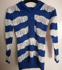 *SALE* Vuneni džemper sa kapuljačom, veličina S/M