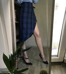 SNIZENJE: Suknja na preklop