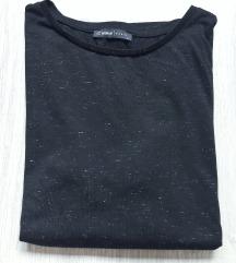 Crna majica protkana srebrnim nitima NOVA
