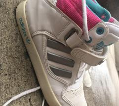 Adidas bele