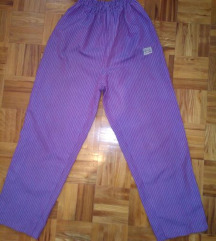 Lila pantalonice