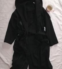 Zara duzi crni kaput sa kapuljacom XS/S