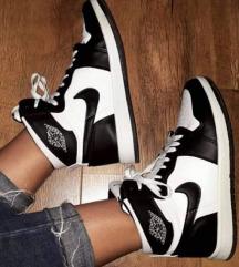 Crno bele Nike Jordan🥰🥰🥰