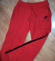 Nike crvena trenerka ❤️ sniženaaa DANAS 1400!!!