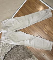 Pantalone na poklon uz kupovinu