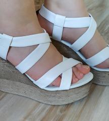 Bele letnje sandale SADA 1500
