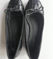 Kožne cipele sa mašnicom