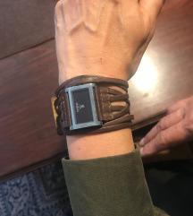 očuvan braon kožni ženski Morgan sat