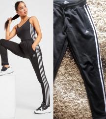 Adidas donji deo trenerke original REZ