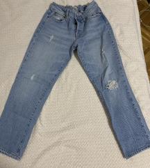 Mom jeans, stradivarius