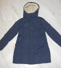 Fantastična teget perjana zimska jakna