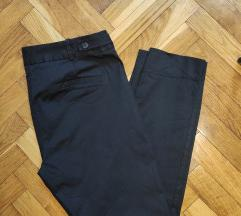 ZARA crne pantalone