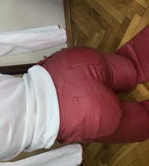 Kozne crvene pantalone