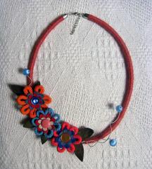 Ogrlica `Cvetovi, cvetići`- ručni rad (unikat)