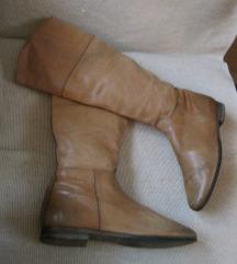 Ravne kožne čizme