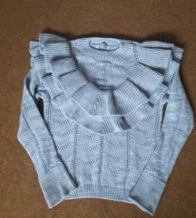 Nov prelep sivi džemper sa karnerima S / M