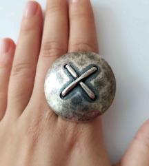 Posrebren prsten - novo
