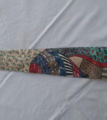 nova kravata neobičnog dezena