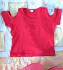 Crvena majica sa otvorenim ramenima