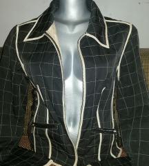 Nova zenska jakna savrsena 40